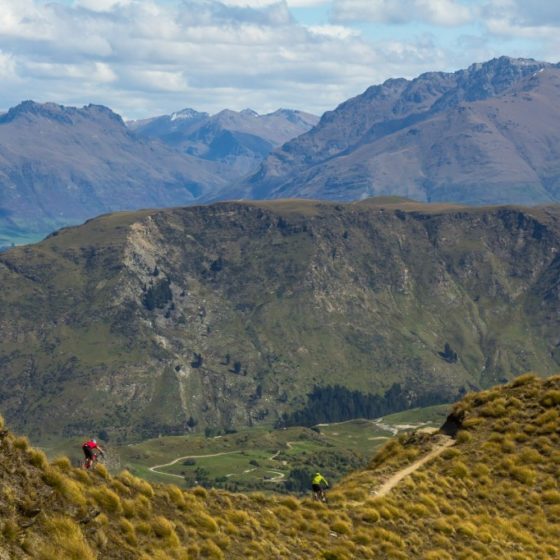 ridgeline riding along Rude rock Trail, Queenstown